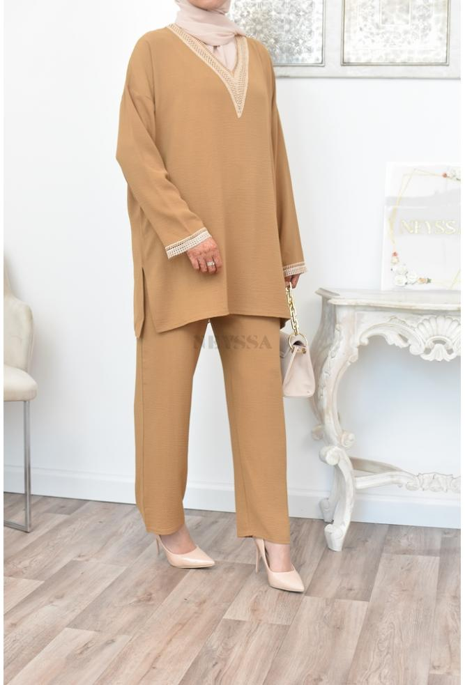 Embroidered, flowing and loose-fitting outfit perfect for summer