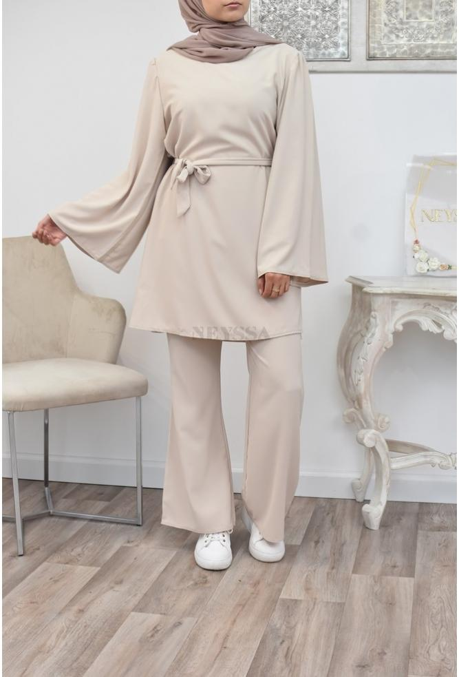 Long and flowing outfit perfect for the summer outfit of the veiled Muslim woman