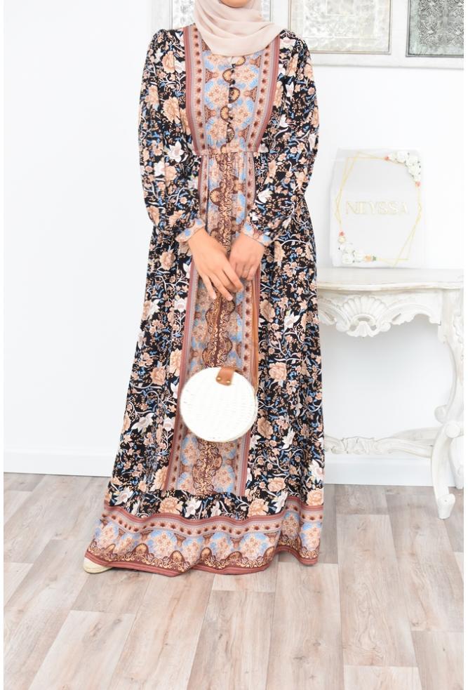 Robe longue fleuire femme musulmane voilée